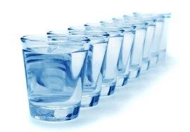 8-bicchieri-dacqua